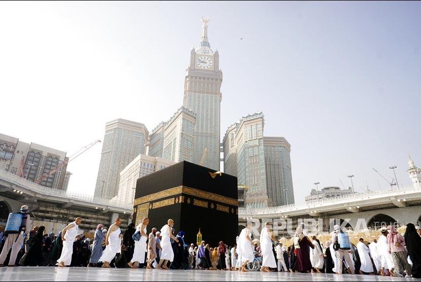 suasana-lengang-di-masjidil-haram-pascapenghentian-umrah-oleh-pemerintah_200305220616-205.jpg